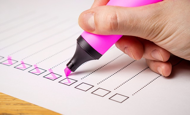 make a moving checklist